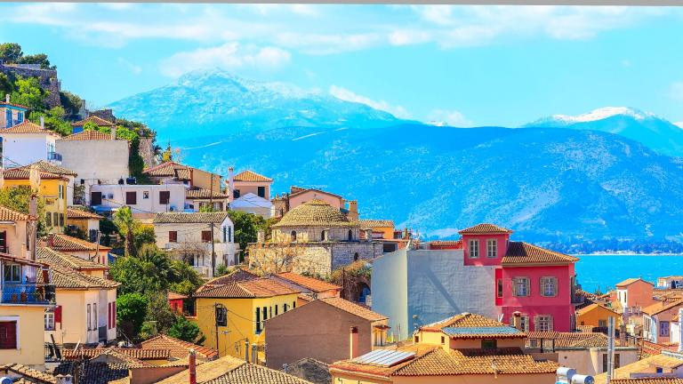 5 Best Places to Visit in the Peloponnese!