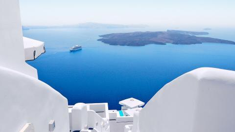 Things to Do in Santorini: 4 Unmissable Experiences!